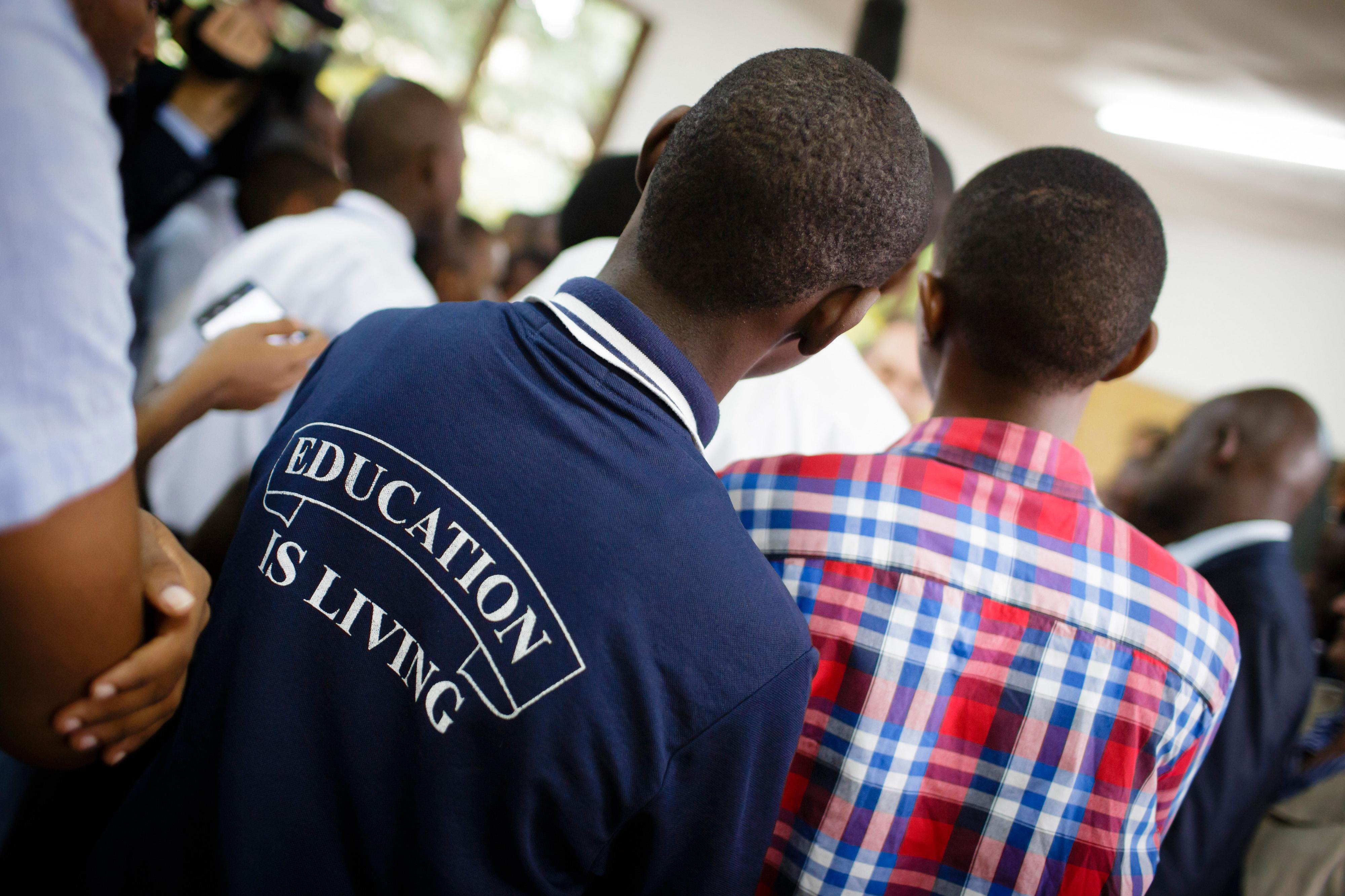 Schülergruppe in Daressalam, Tansania