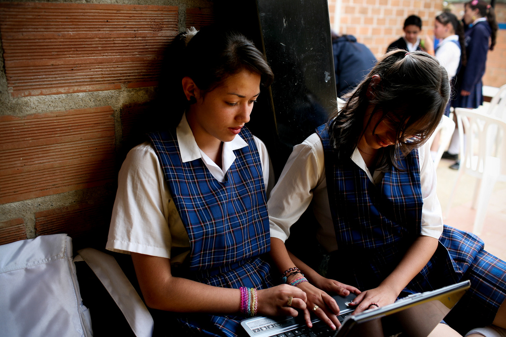 Schülerinnen der San José Oberschule in La Ceja, Kolumbien