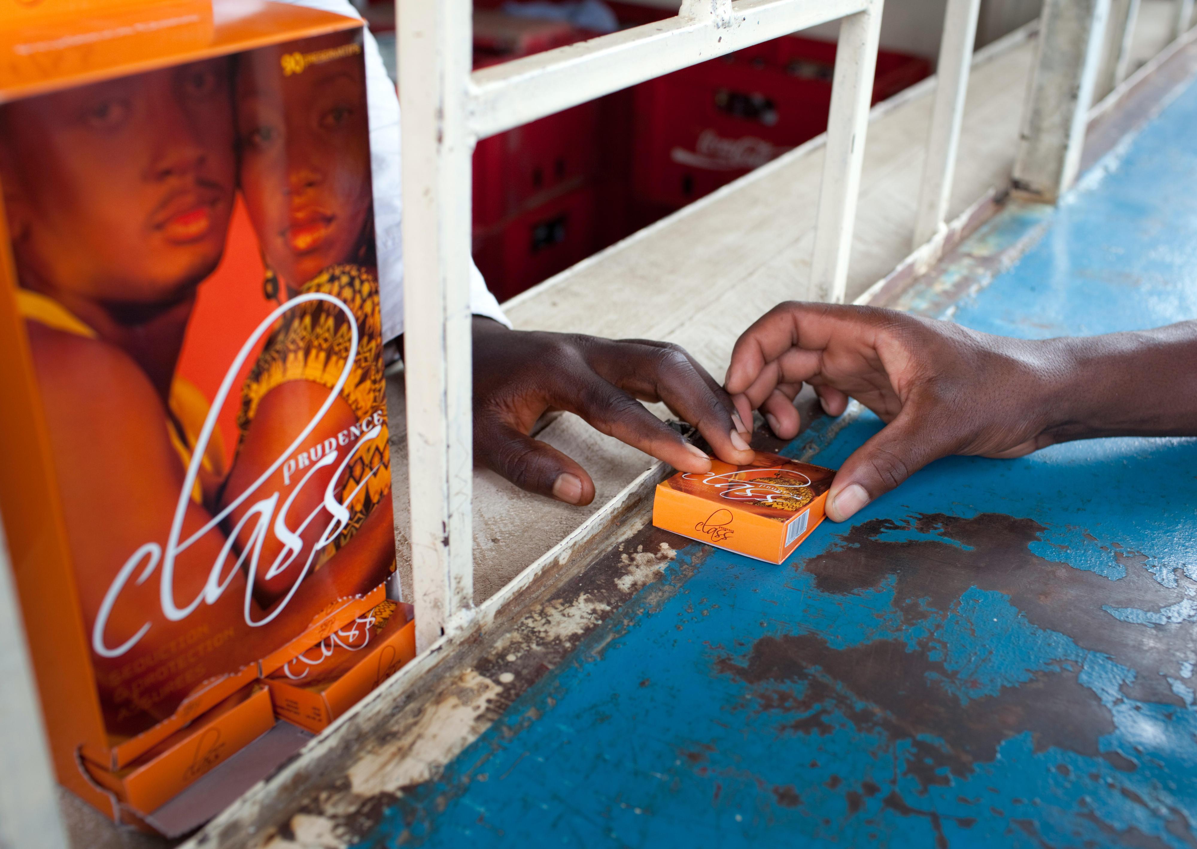 Verkauf von Kondomen an einem Kiosk in Burundi