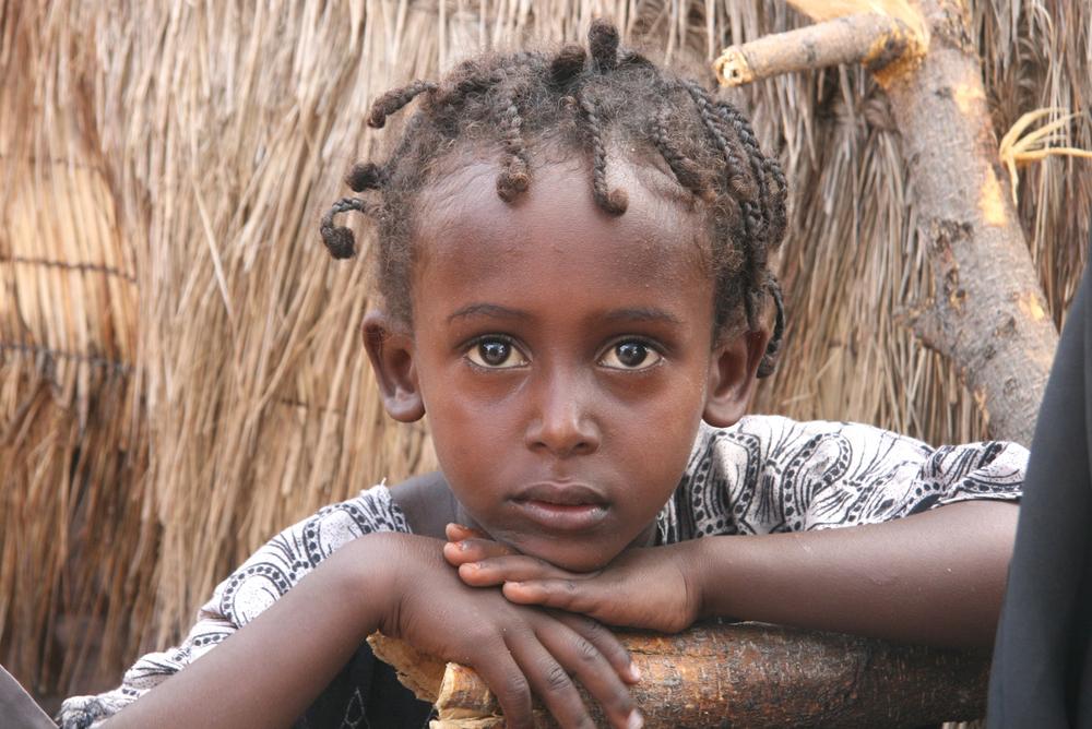 Ein junges Mädchen im Nordosten Kenias, wo weibliche Genitalverstümmelung weiterhin eine gängige Praxis ist.