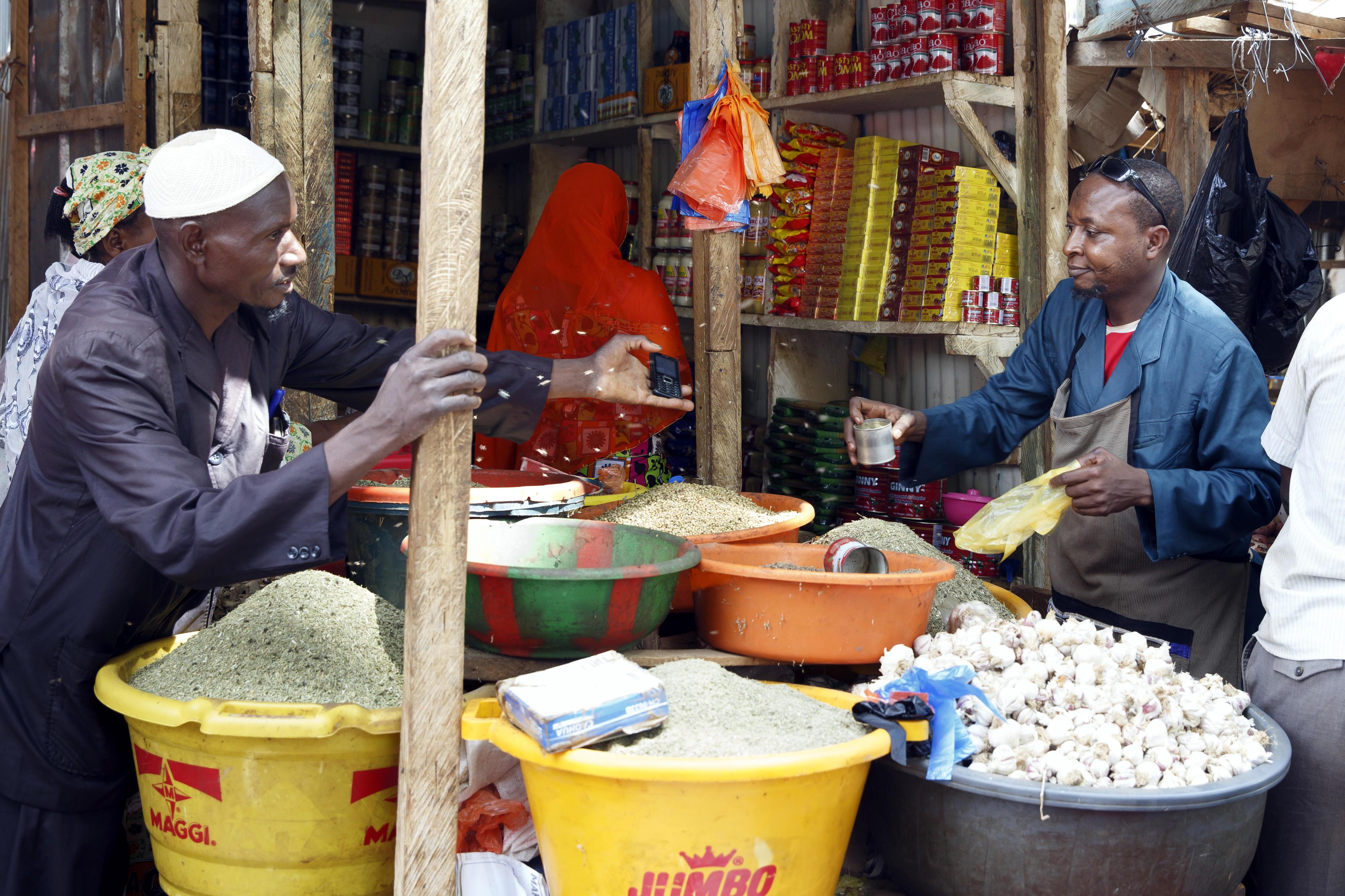 Gewürzhandel auf dem Markt in Niamey, Niger