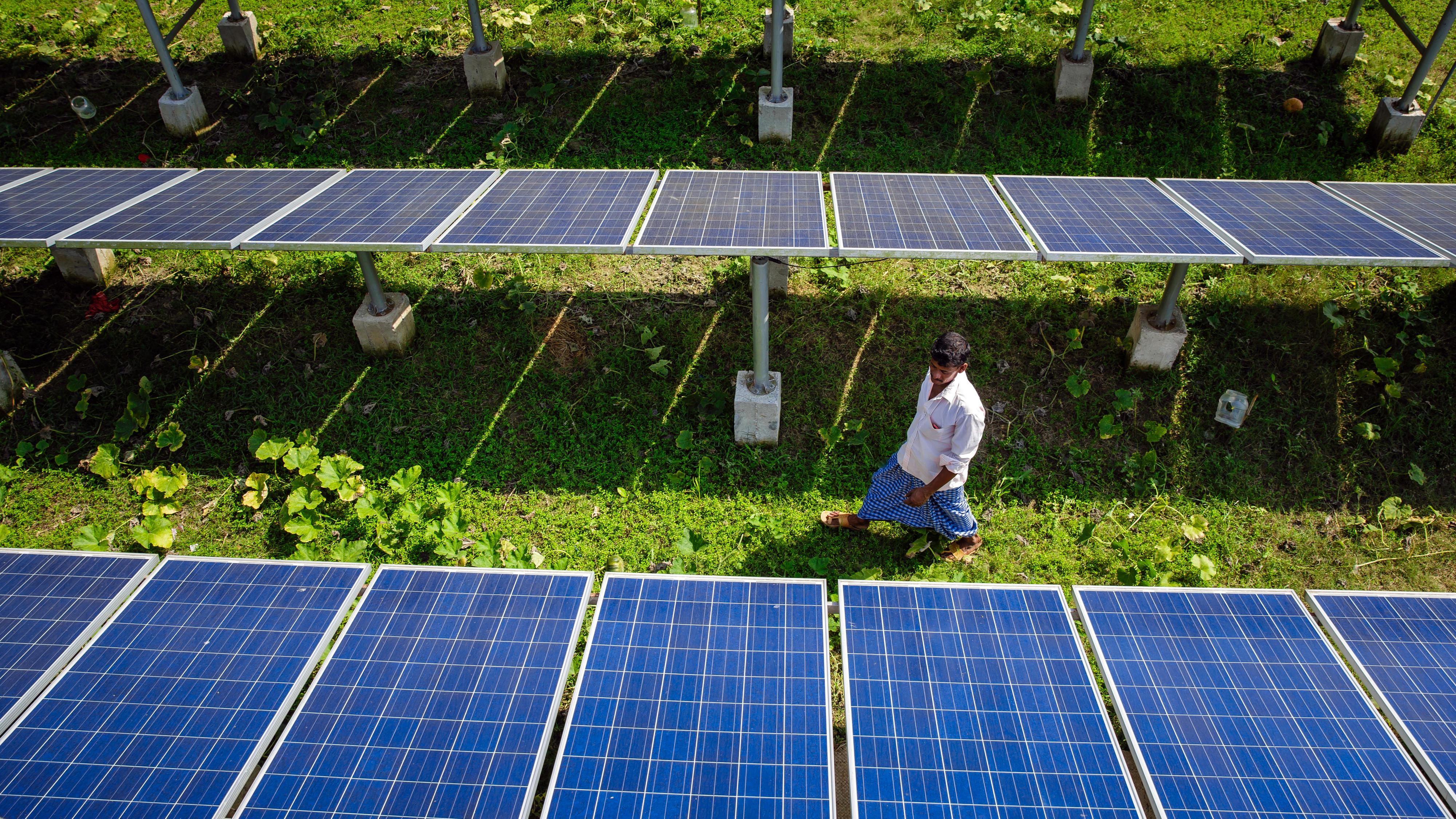 Solaranlage zur Stromversorgung einer solarbetriebenen Pumpe für die Bewässerung von Feldern in Bangladesch