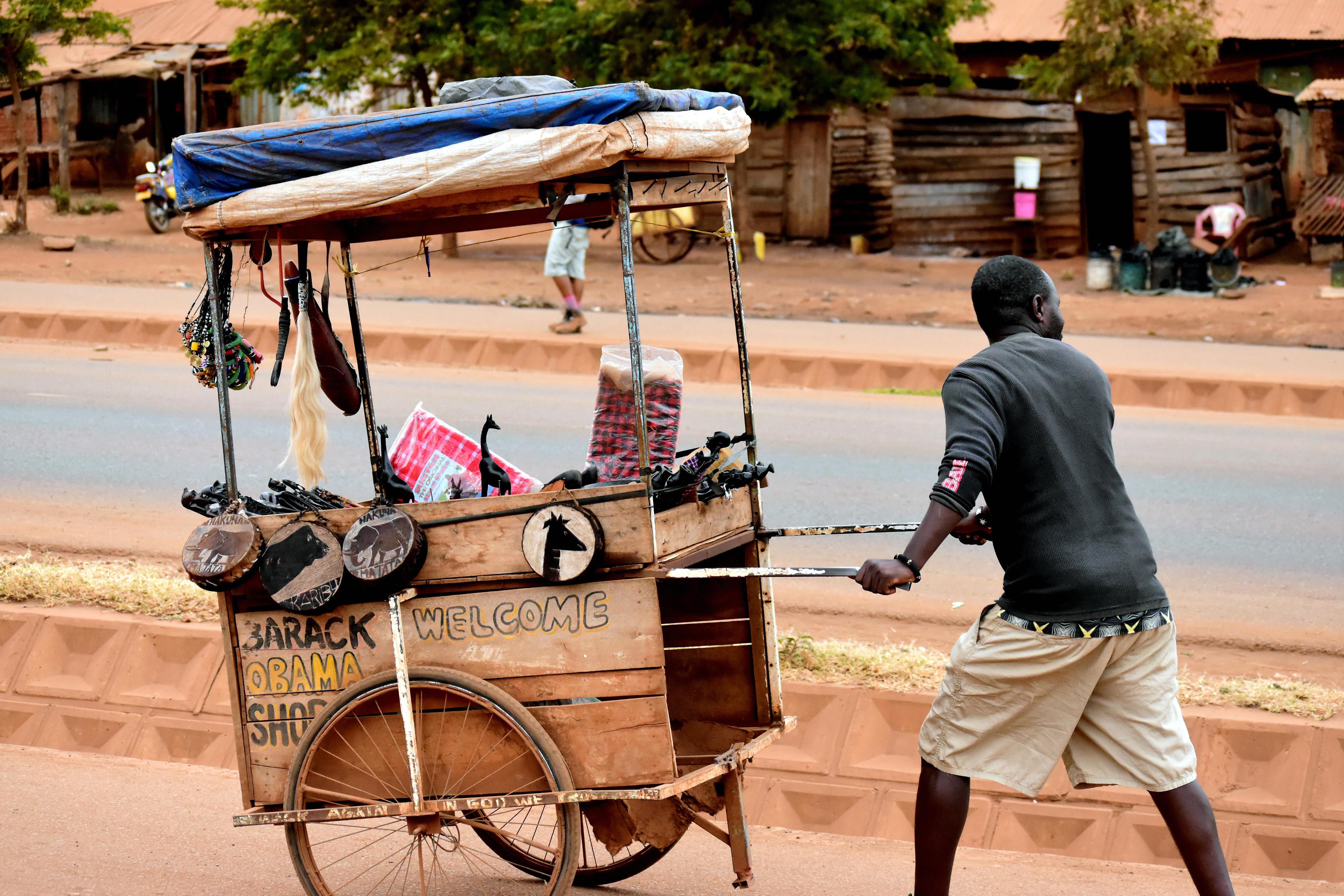 Straßenhändler in Tansania