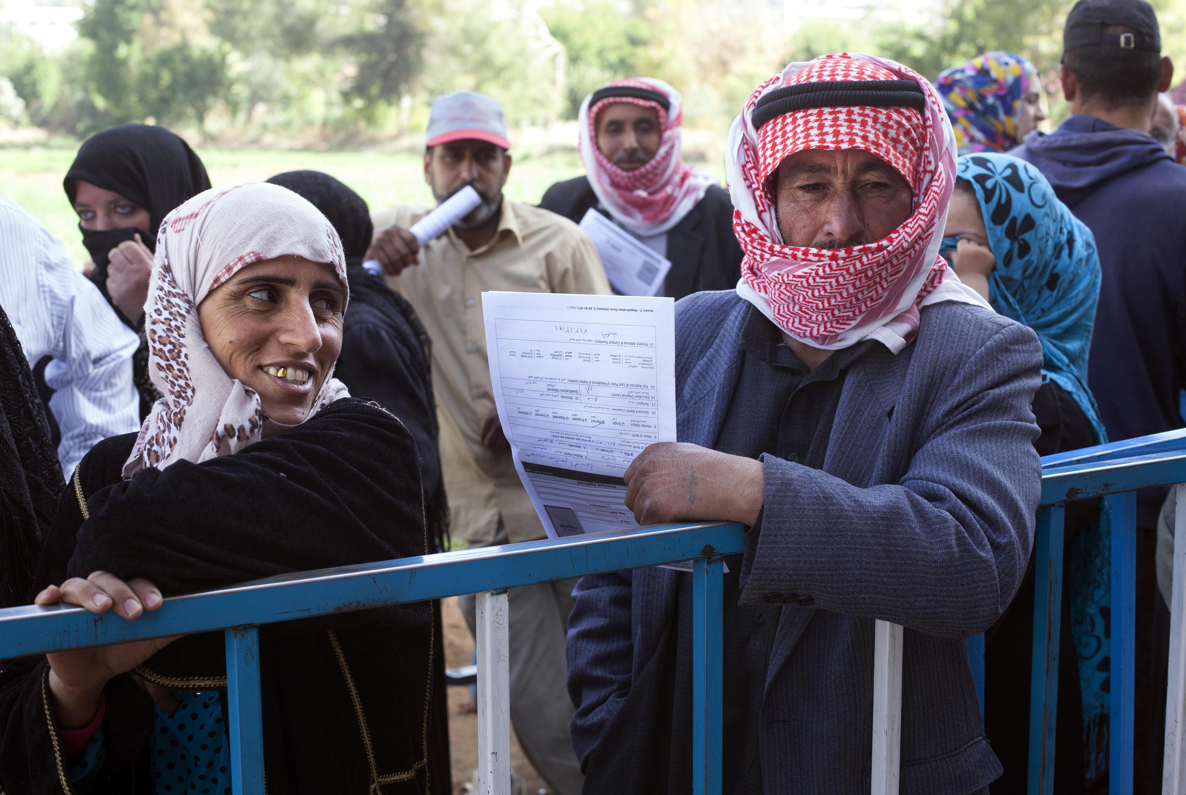 Syrische Flüchtlinge in einem UNHCR-Registrierungszentrum im Libanon
