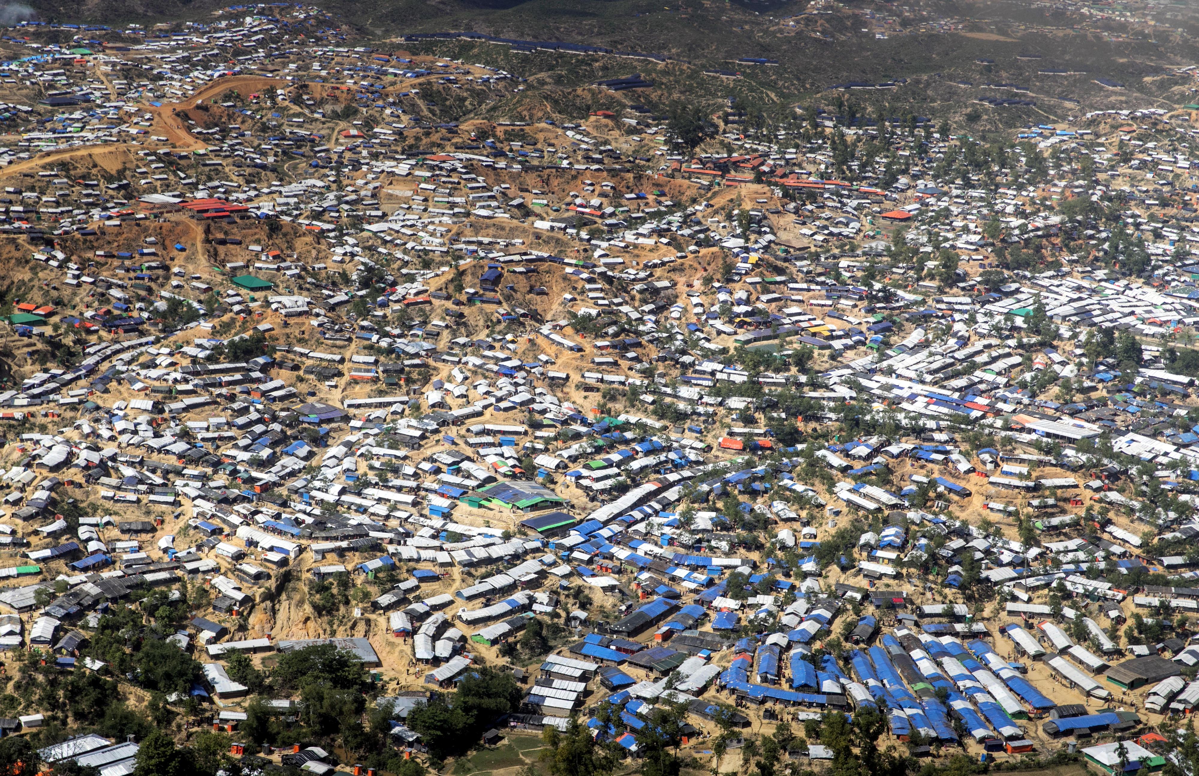 Luftaufnahme des Flüchtlingslagers Kutupalong in Bangladesch, in dem Rohingya leben, die aus Myanmar vertrieben wurden.