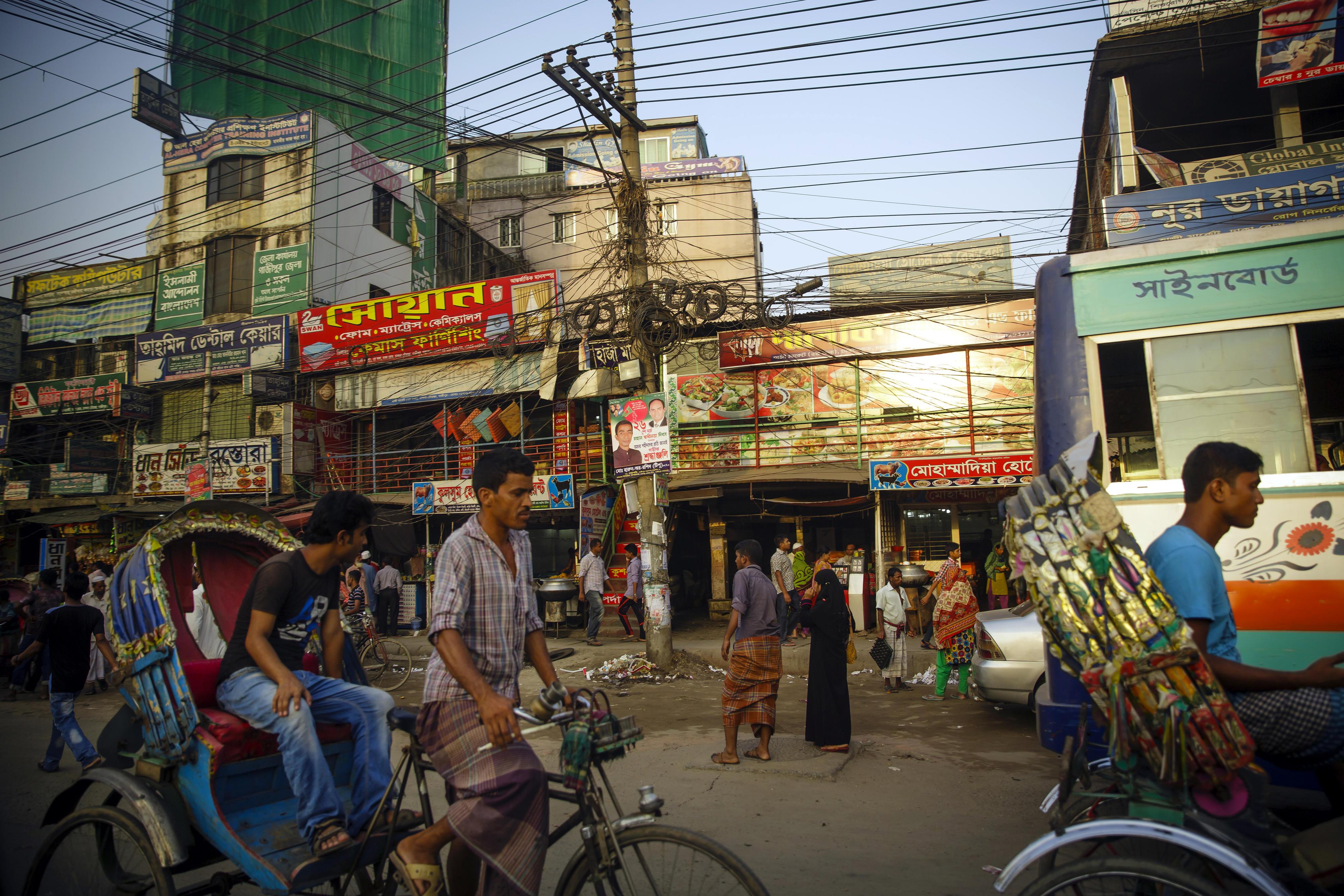 Straßenszene in Dhaka, der Hauptstadt von Bangladesch