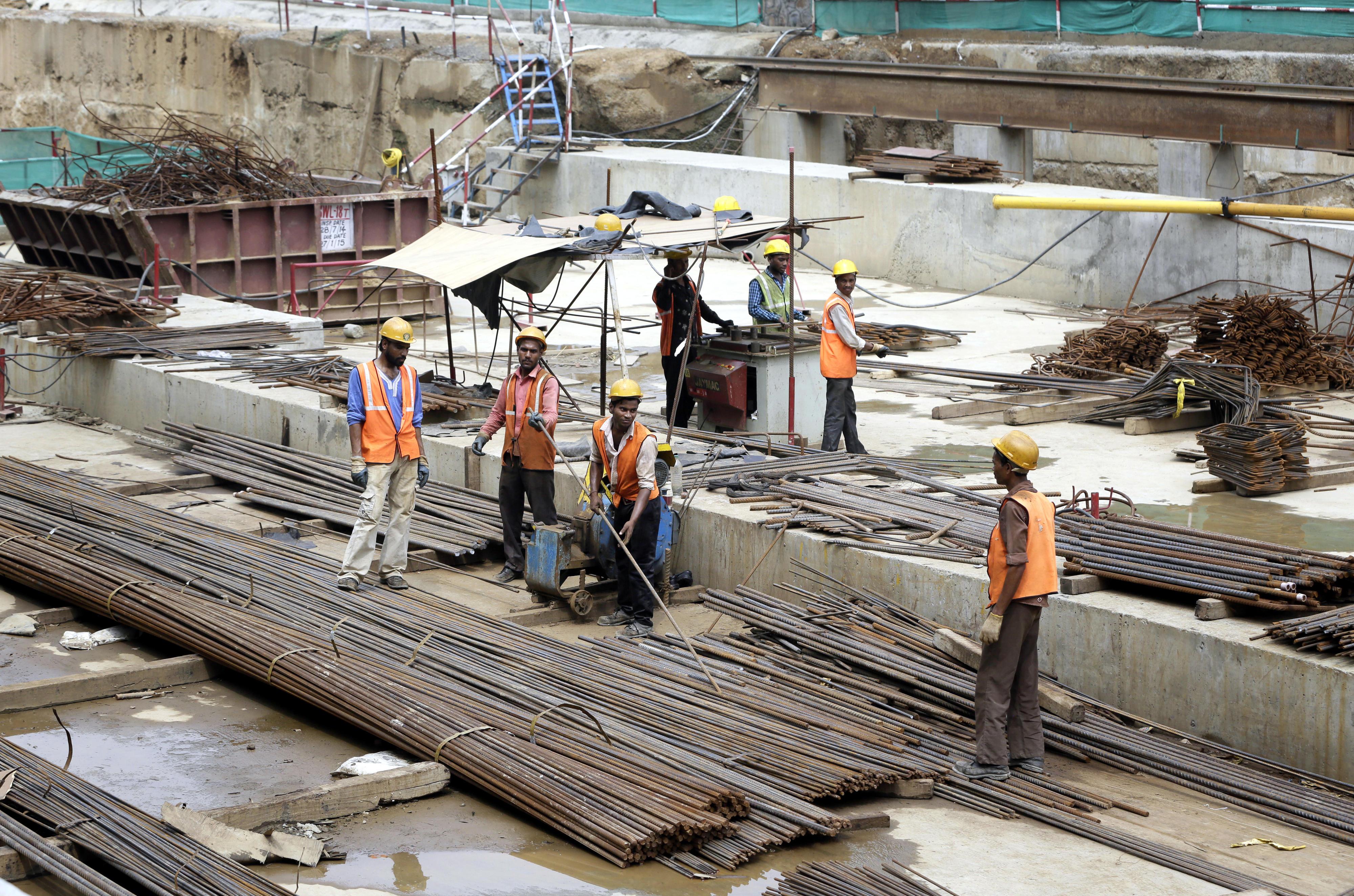 Bauarbeiter auf einer Baustelle in der indischen Hauptstadt Neu-Delhi