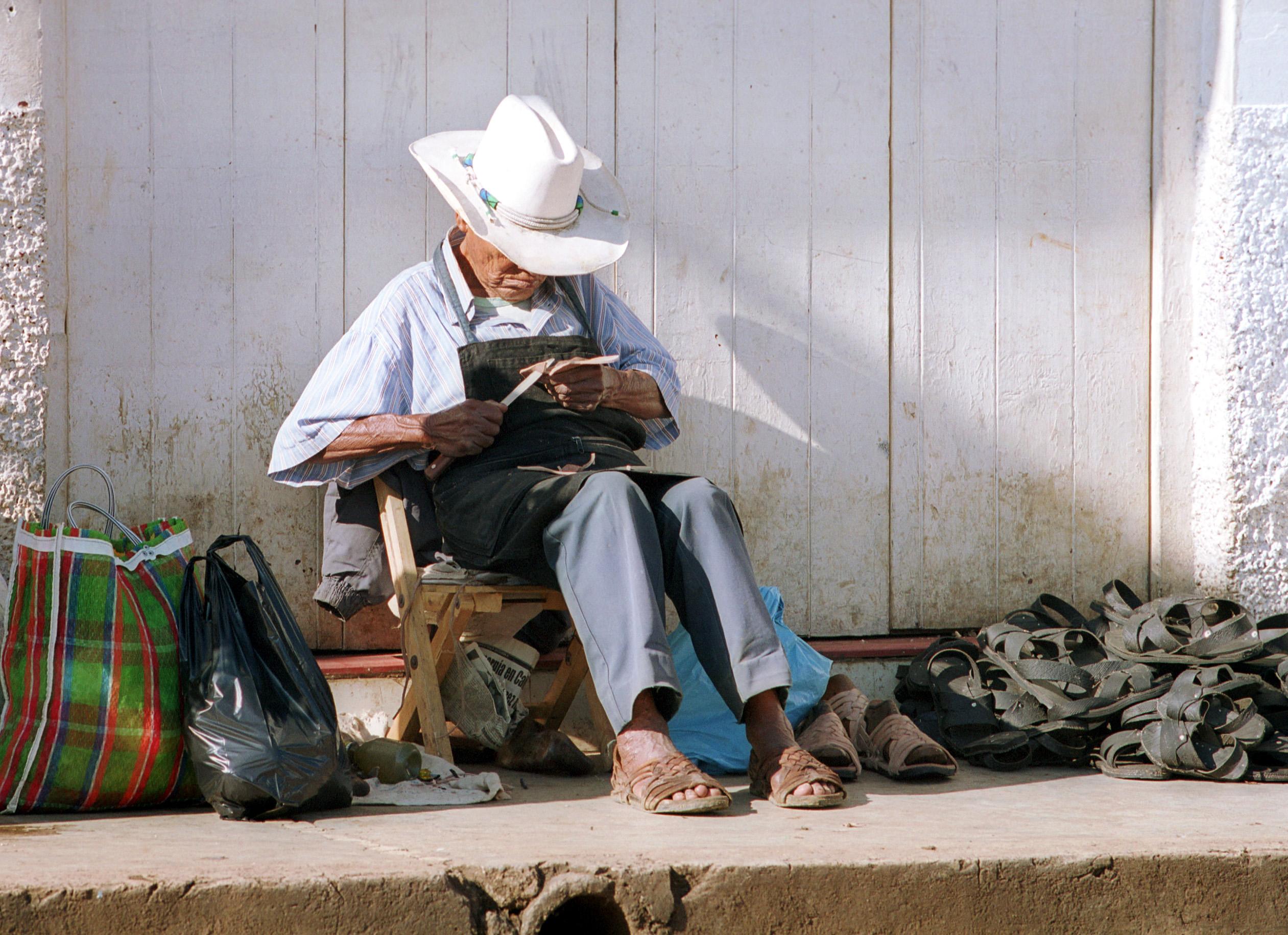 Schuhmacher in San Cristóbal, Mexiko