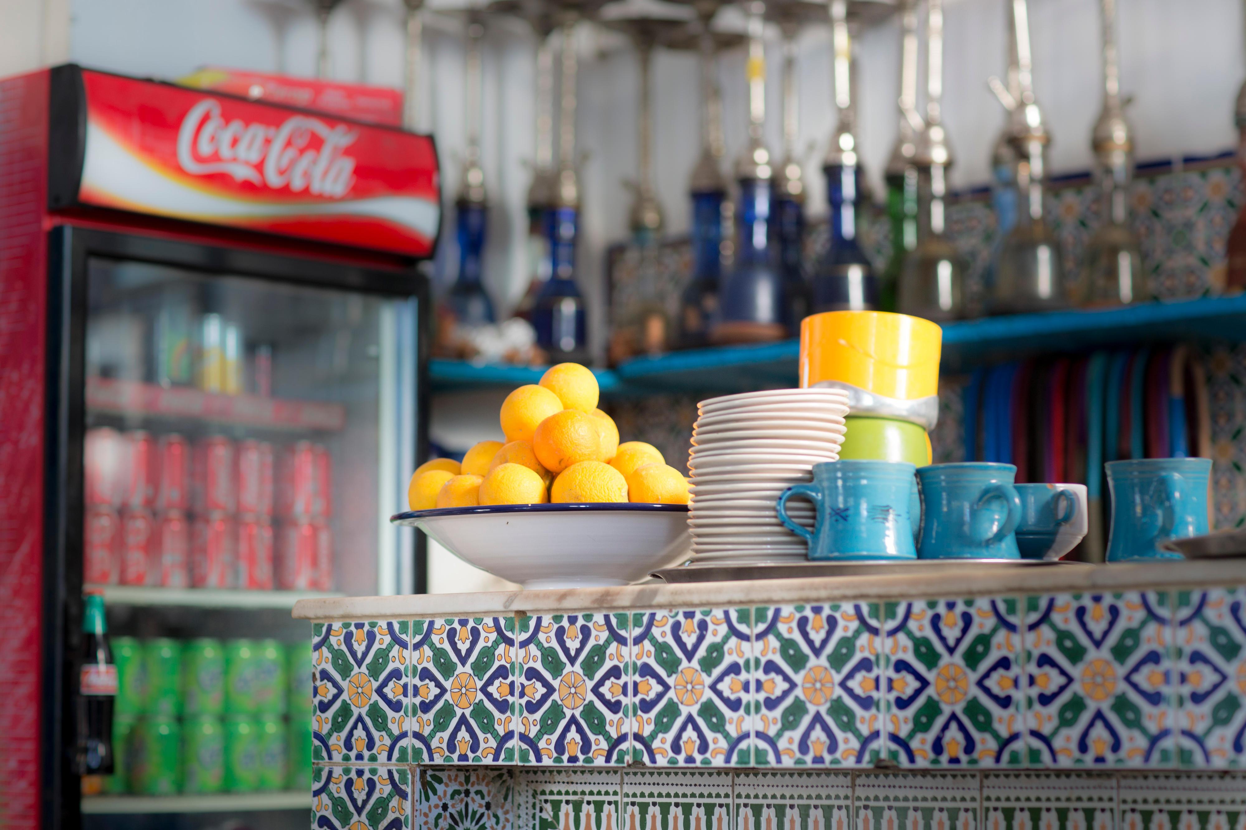 Theke eines Cafés in Tunesien