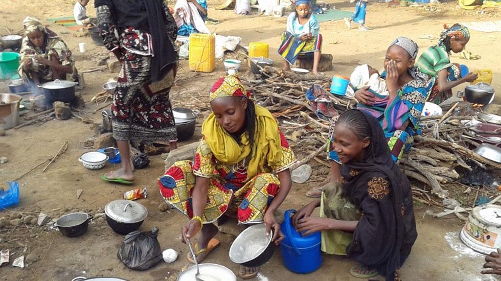 Aus der Zentralafrikanischen Republik geflüchtete Frauen in einem Aufnahmelager in Ostkamerun