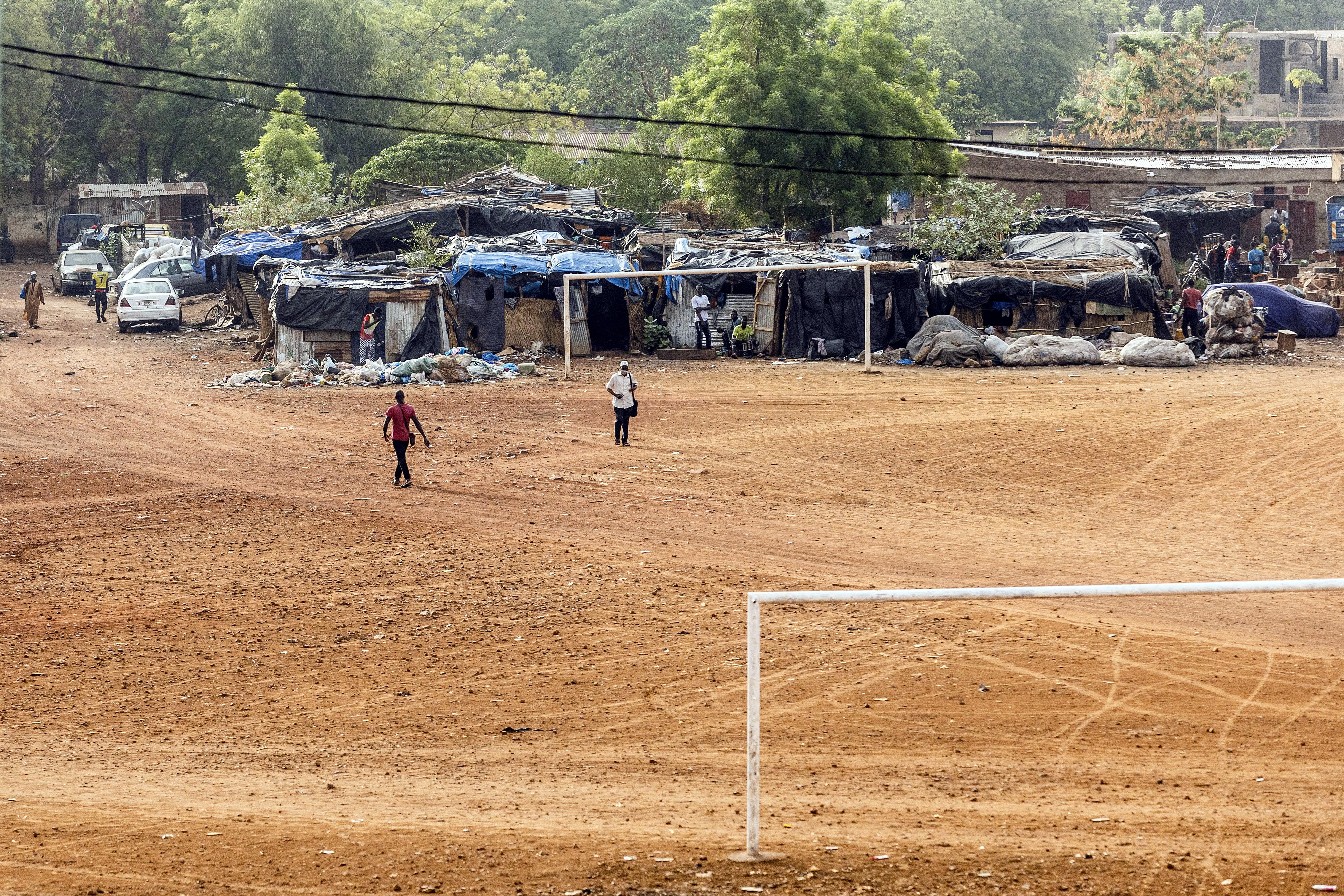Kinder in Tienfala