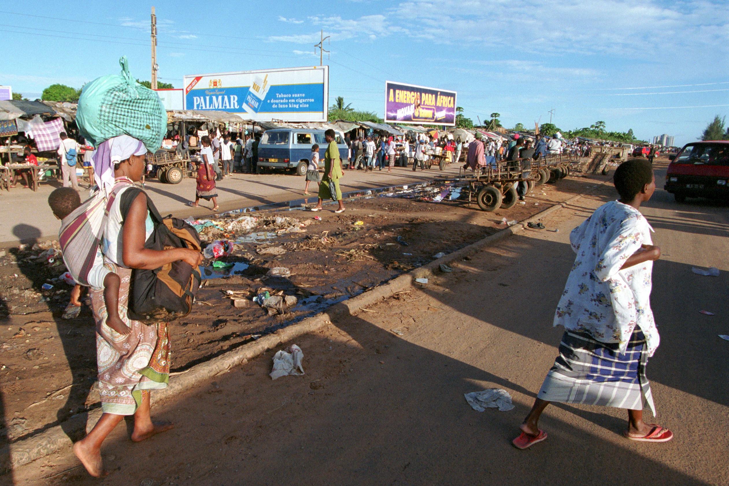 Straßenszene in Maputo, der Hauptstadt von Mosambik