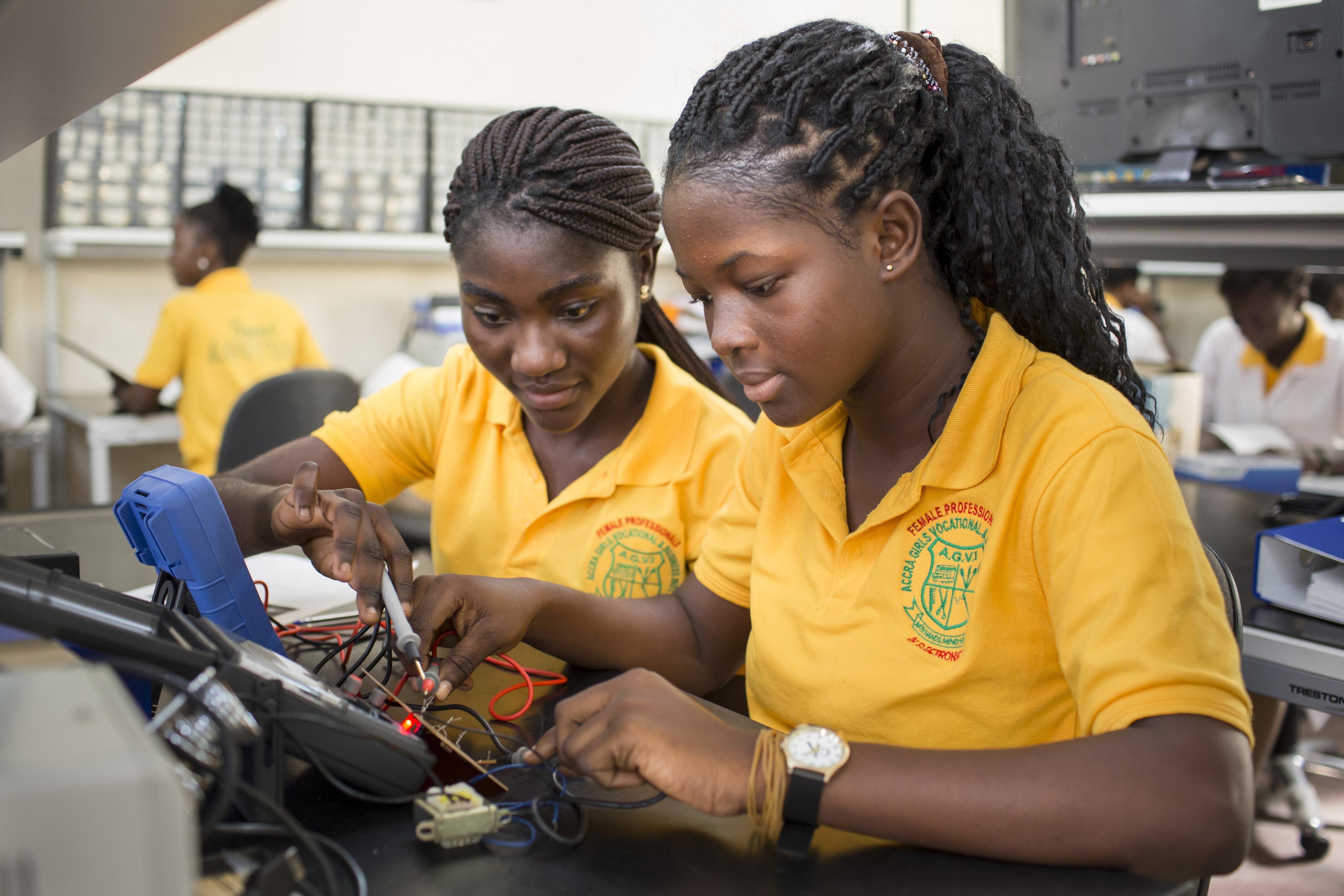 Schülerinnen einer Berufsschule in Ghana