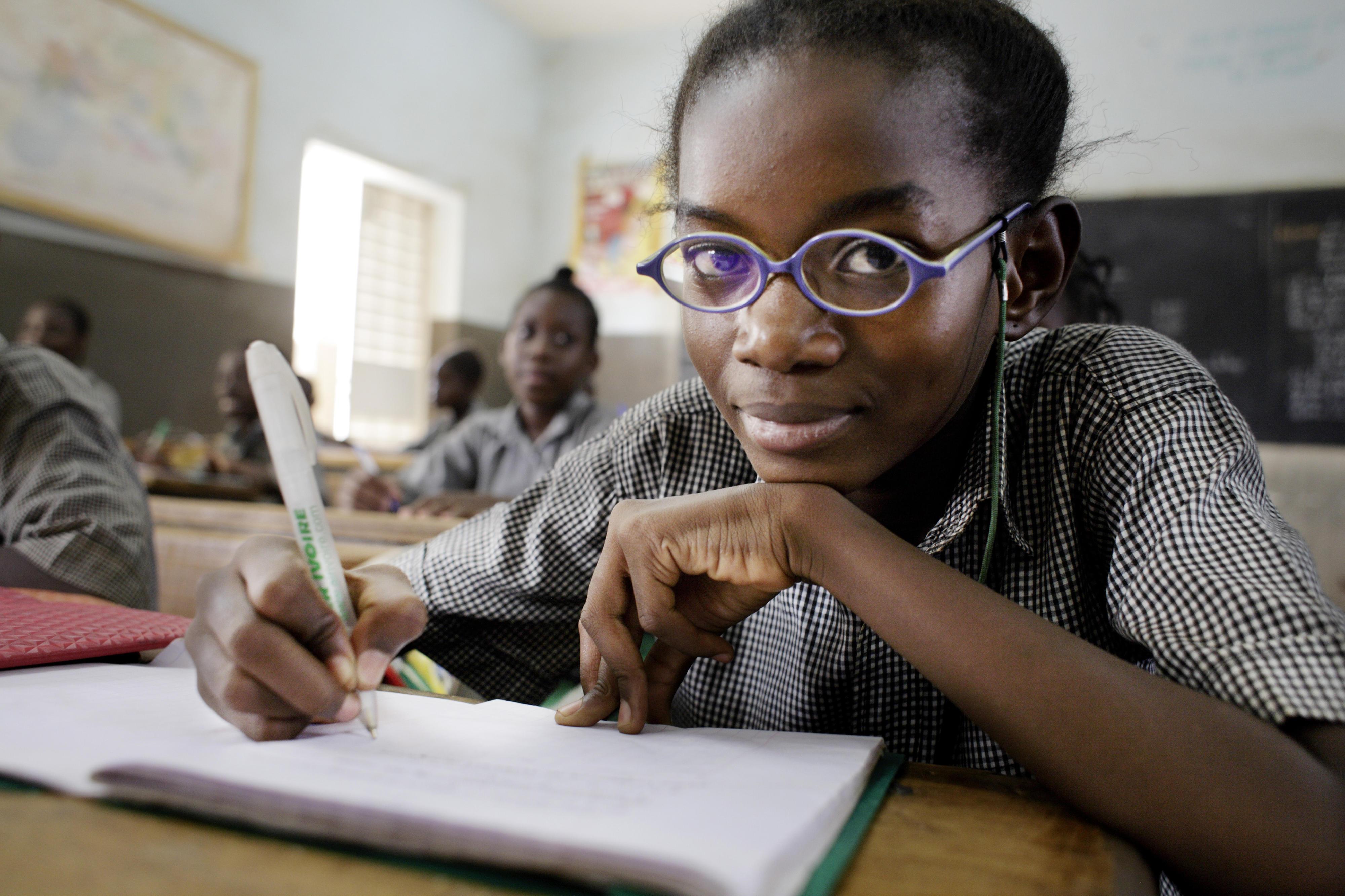 Schülerinnen und Schüler in einerprovisorischen Grundschule für syrische Flüchtlinge im Libanon