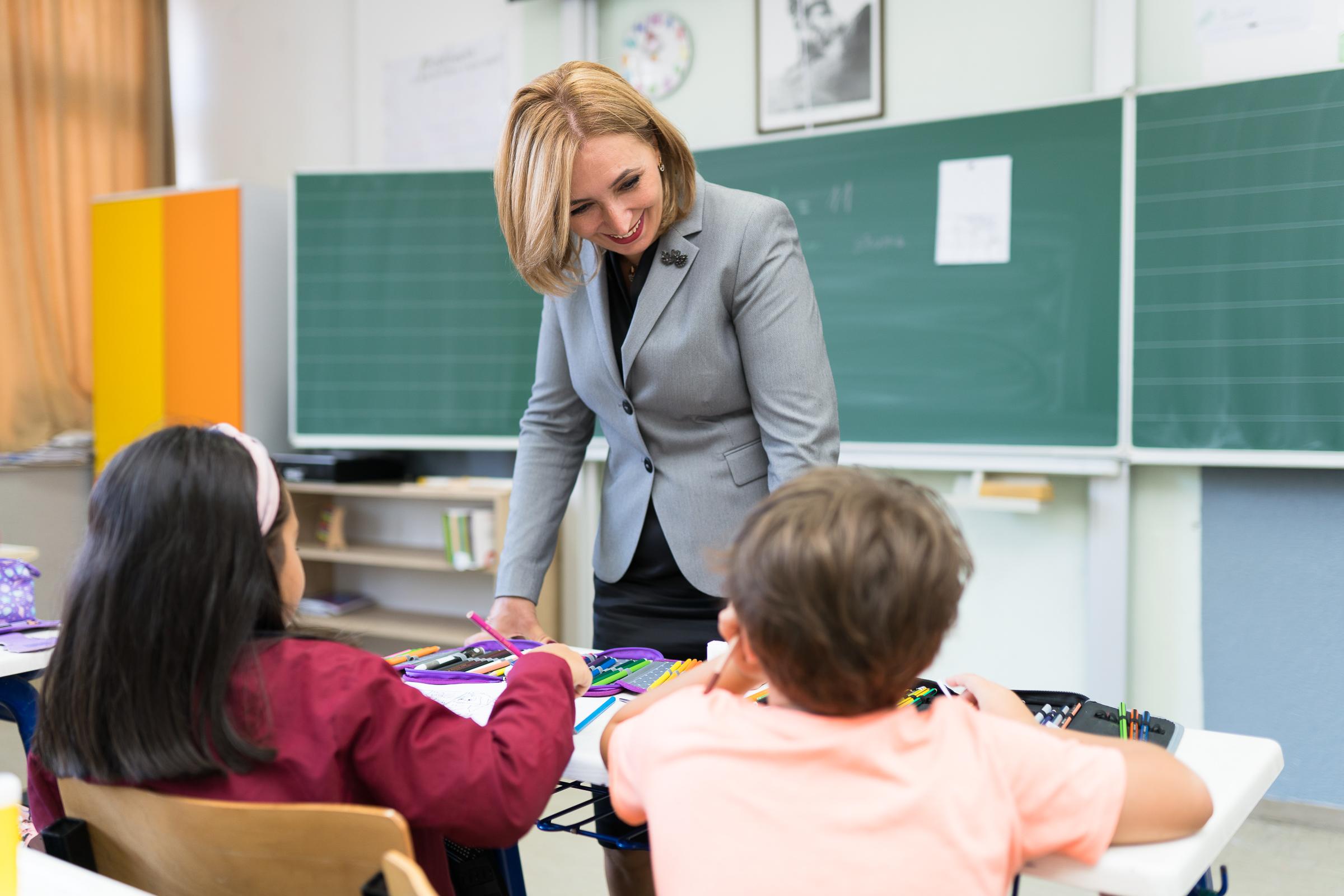 Schulkinder im Kosovo