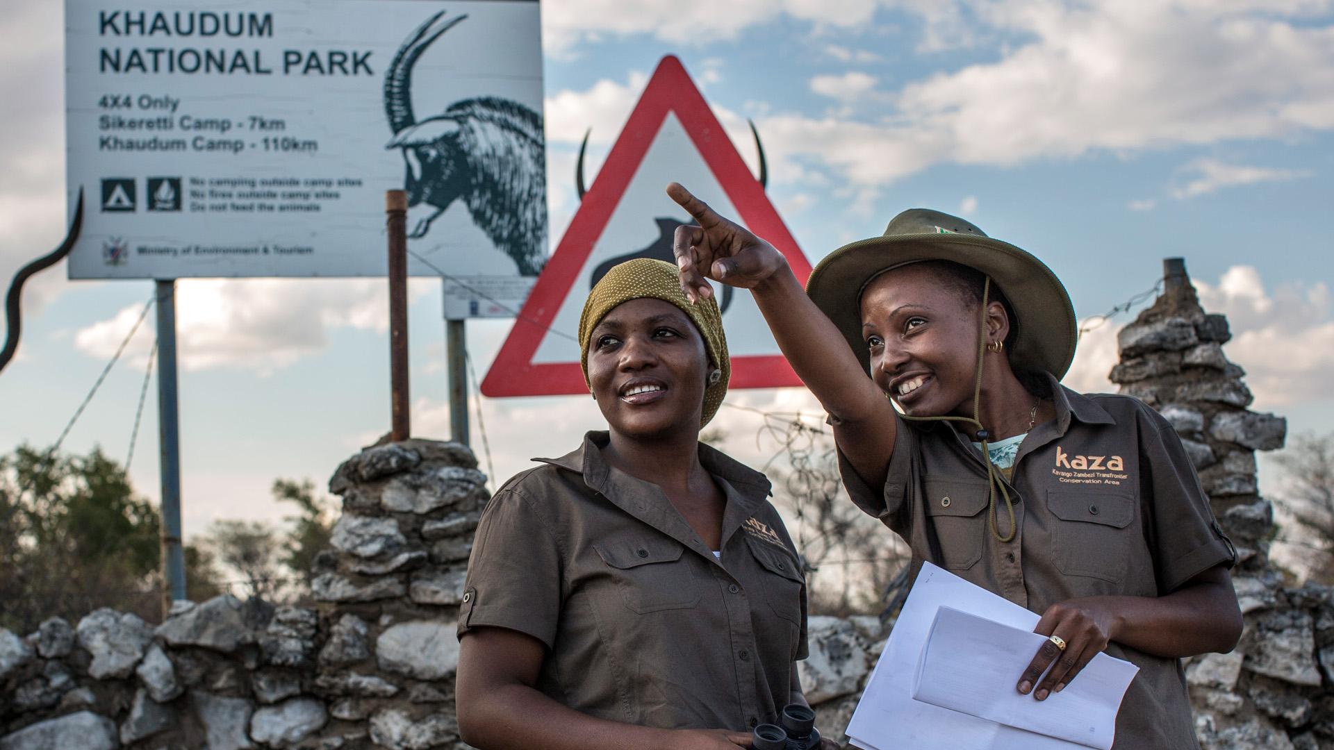 Rangerinnen im namibischen Khaudum-Nationalpark, der Teil des grenzübergreifenden KAZA-Projekts ist